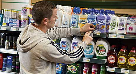 Merchandising laundry and fabric care products by format allows consumers to find their way round the category display more easily, says P&G.
