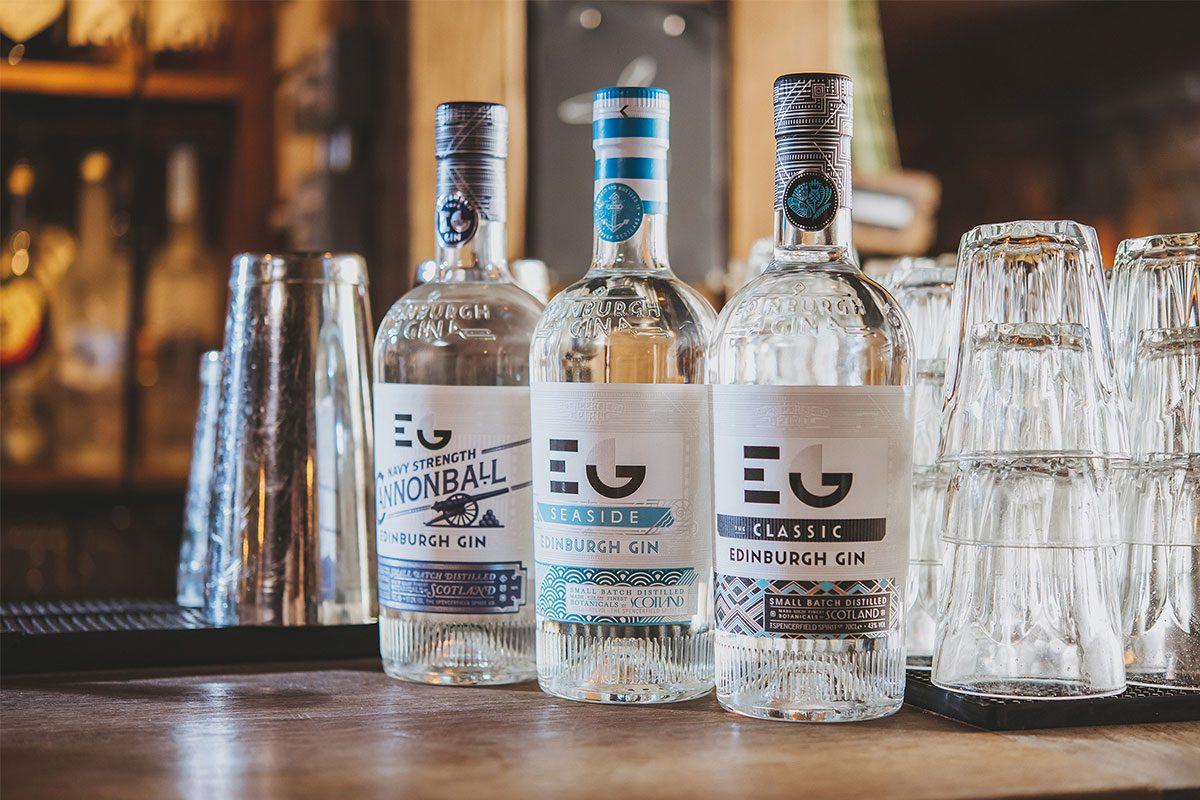 edinburgh-gin-bottles